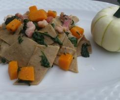 Maltagliati con farina di castagne e zucca spinaci e pancetta affumicata contest ottobre