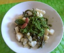 Fagiolini e patate  al pesto di mandorle