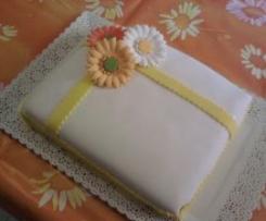 Torta pesche e ananas con crema chantilly