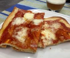 Pizza dell'ultimo momento con lievito madre non rinfrescato (da frigo)