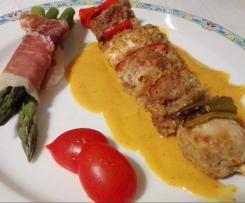 Spiedini golosi di pollo e maiale su crema ricca alle patate con mazzetti di asparagi allo speck multilivello contest