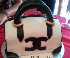 "Torta borsa chanel ""compleanno Ilaria"" -apemaia31-"